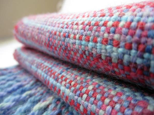 Tessuti-preziosi-a-maglia-e-a-navetta
