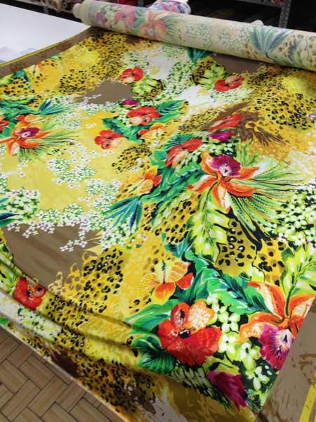 Tessuti e scampoli stoffe per camicie abiti vestiti for Tessuti per arredamento vendita on line
